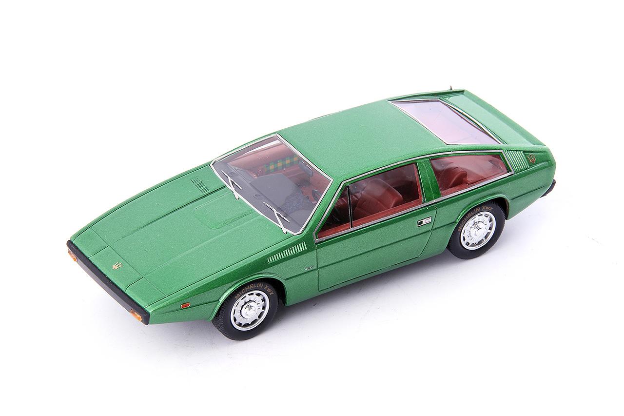 124 maserati coupe  2+2 Italdesign, metallic vert- 1974 1 43 autocult  service de première classe