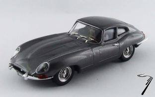 Jaguar . coupé gris métallisé foncé 1/43
