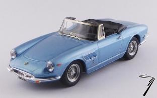 Ferrari 330 GTS bleu clair métallisé GTS bleu clair métallisé 1/43