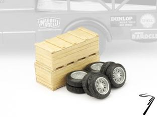 Ferrari lot de 2 caisses en bois + 2 jeux de pneus  1/43