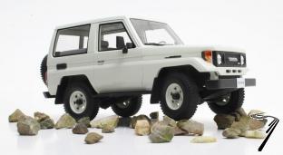 Toyota . BJ70 blanc 1/18