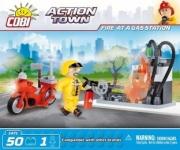 Divers . Action Town - Pompier à la station service - 50 pcs - 1 figurine autre