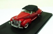 Cadillac . Victoria closed roof red 1/43