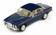 Jaguar . MKII dark blue 1/43