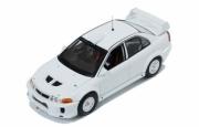 Mitsubishi Lancer EVO V version rallye blanche  1/43