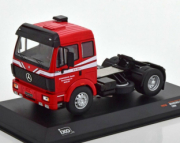 Mercedes . rouge 1/43
