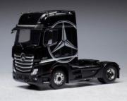 Mercedes . MP4 noir 1/43