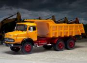 Mercedes . LAK 2624 orange 1/43