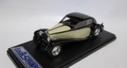 Bugatti . 50T Superprofilée  Black/Cream 1/43