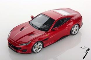 Ferrari . rouge Portofino 1/43