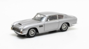 Aston Martin . Vantage gris métallisé 1/43
