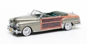 Chrysler . metallic gold - numbered and limited edition 1/43