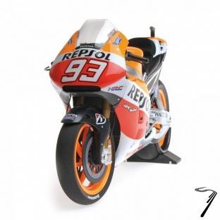 Honda RC213V - Champion du Monde Moto GP  1/12