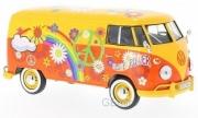 Volkswagen . jaune/orange Hippie 1/24