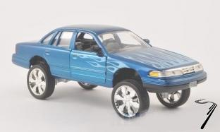 Ford Victoria tuning bleu avec flames tuning bleu avec flames 1/24