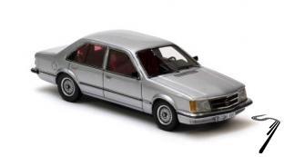 Opel . 4 portes gris métalisé 1/43