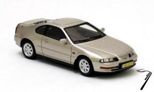Honda . Mk4 argent métallisé 1/43