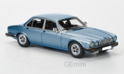 Jaguar . Série III bleu métal 1/43