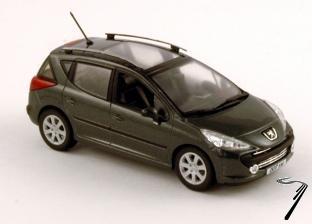 Peugeot . SW gris 1/43
