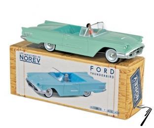 Ford . 1960 - Vert Adriatique (avec conducteur) 1/43