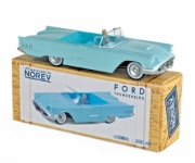 Ford . 1960 - Aquamarine (driver included) 1/43
