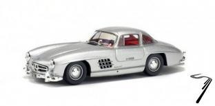 Mercedes . Gullwing argent 1/43