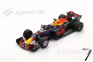 Red Bull RB13 1er GP Azerbaijan  1/18