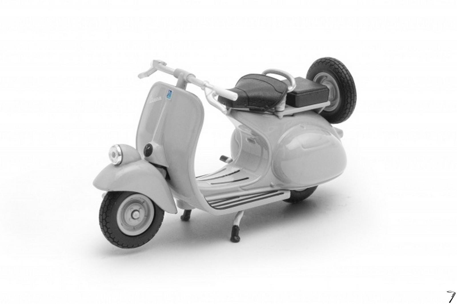 Vespa 125 cc  1/18