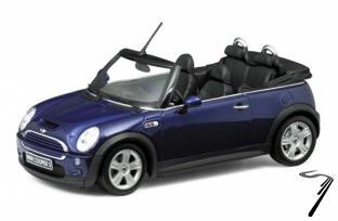 Mini . cabriolet bleu 1/24