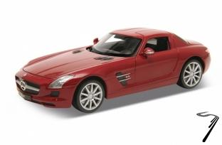 Mercedes . AMG rouge 1/24