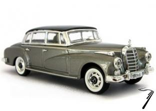 Mercedes . Adenauer Gris 1/43