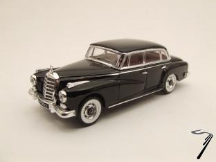 Mercedes . Adenauer Noir 1/43