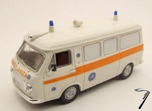 Fiat . Service Sanitaire 1/43