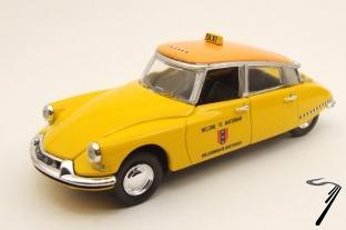 Citroen . 19 Pallas Taxi 1/43