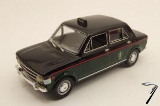 Fiat . taxi de Milan 1/43