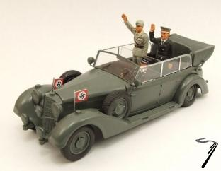 Mercedes . Avec figurine Hitler + Mussolini 1/43