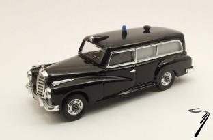 Mercedes . Ambulance Police Svizzera 1/43