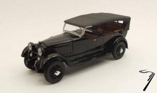 Mercedes . noire 1/43