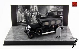 Fiat . S Limousine Roi d'Italie Victor Emmanuel III + figurine 1/43