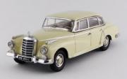 Mercedes . L beige Adenauer 1/43