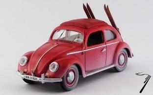 Volkswagen . rouge avec Skis 1/43