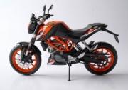 KTM Duke 200  1/12