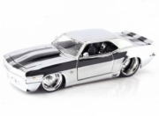 Chevy Camaro chrome  chrome avec bandes noires 1/24
