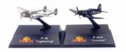 Divers . Set de 2 avions P-38 Lightning et F-4U Corsair The Flying Bulls 1/200
