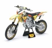 Suzuki RMZ 450  1/6